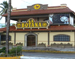 outside daytime view of La Botana strip club in Mazatlan