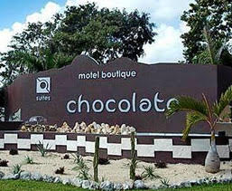 Sign for Motel Chocolate, a motel de paseo in Playa del Carmen