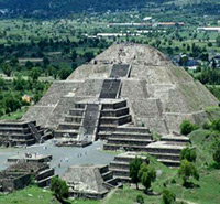 One of the many pyramids in Tlalnepantla